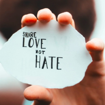 The Best way to Approach Hate and Negativity – Expert Opinion