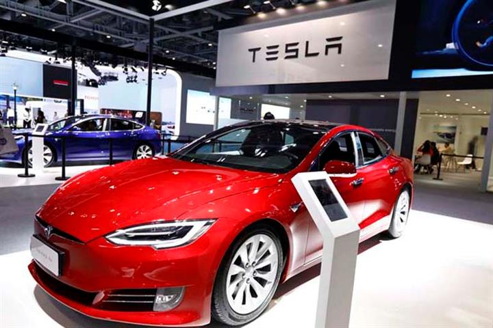 """Tesla to """"Recall"""" 285,000 cars from Chinese Market due to Faulty Software"""