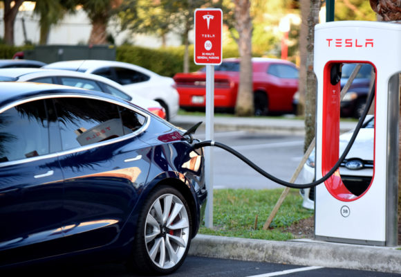 Tesla to Open its Charging Stations to Other Electric Vehicles